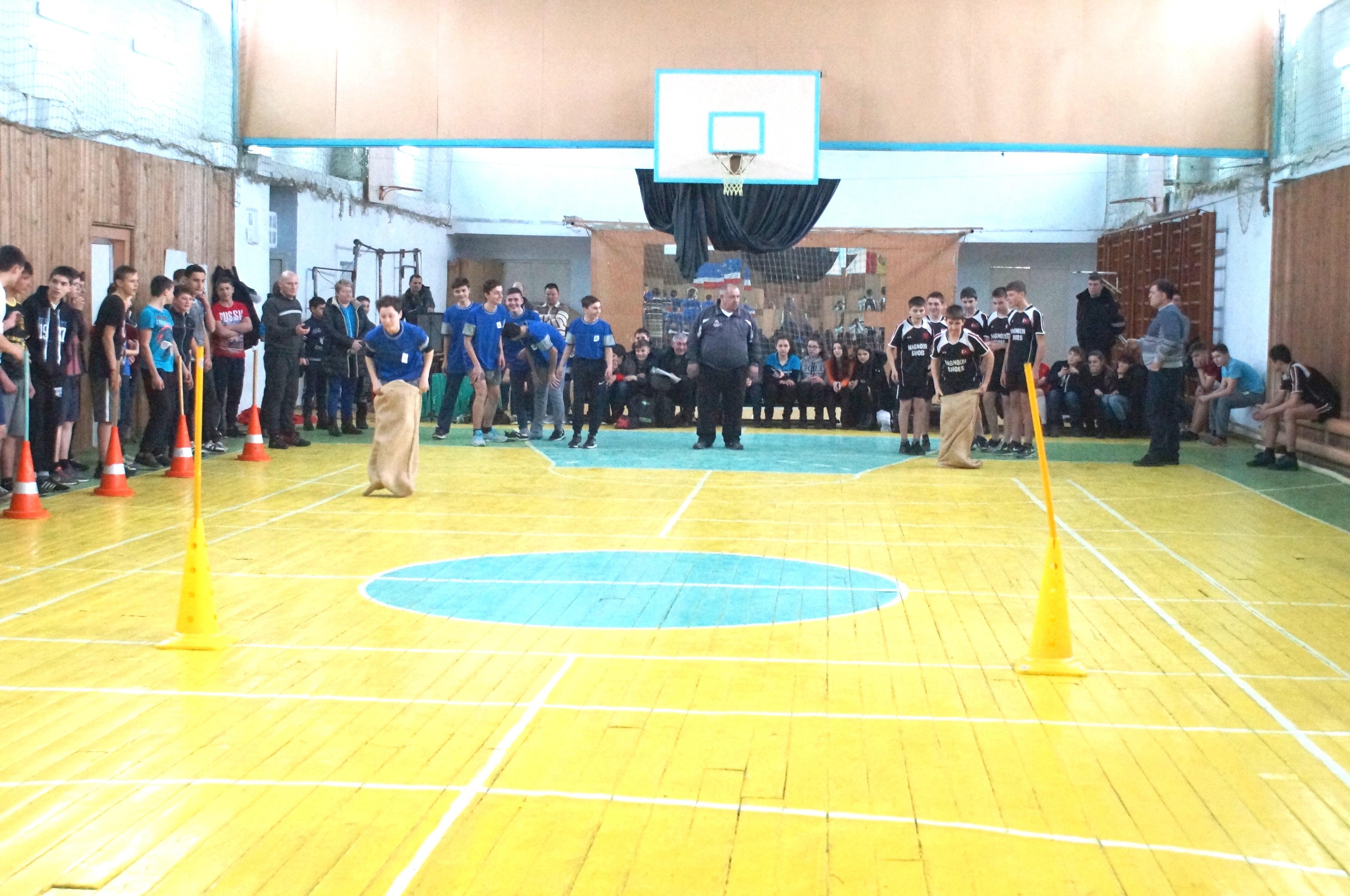 Все команды-участницы спортивного мероприятия  «Мы - парни бравые» удостоены наград от примэрии Комрата