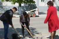 Как комратчане восстанавливали город после апрельской стихии (фоторепортаж)