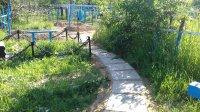 Завершаются работы по прокладке тротуарной плитки на старом кладбище