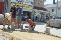 Продолжаются работы по реконструкции ул.Победа м.Комрат (фоторепортаж)