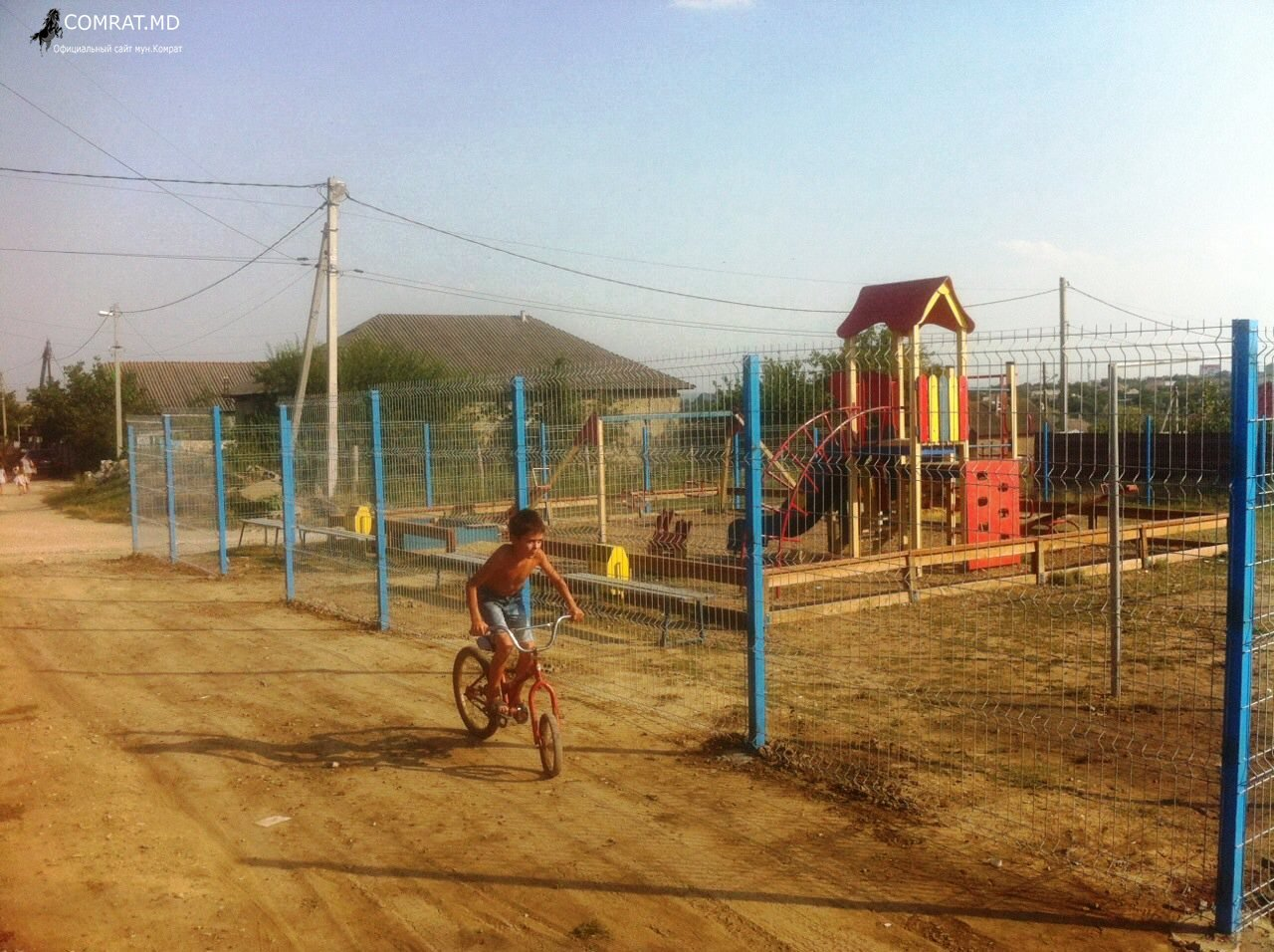 Отремонтирована детская площадка в районе ДСУ