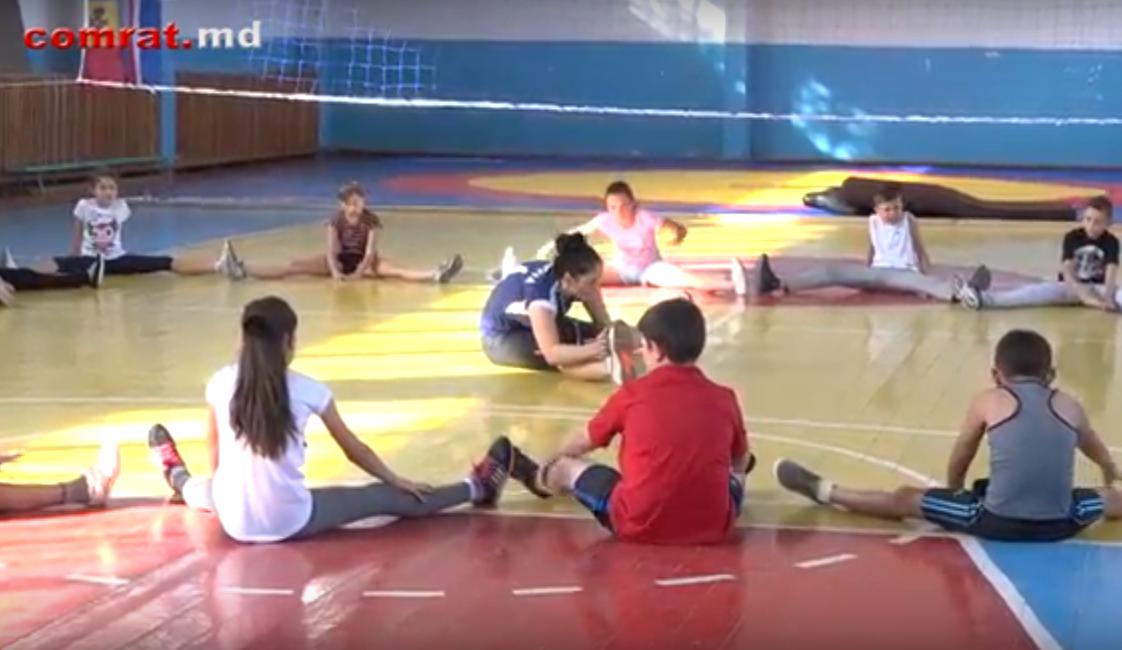 В Комрате успешно развивается секция волейбола при муниципальной спортшколе