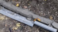 Неизвестные сломали бордюры строящегося на ул. Шевченко, тротуара. Правоохранительные органы выясняют личности вредителей