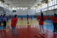 Занятие отделения Муниципальной спортшколы Комрата по футболу-девочки (фоторепортаж)
