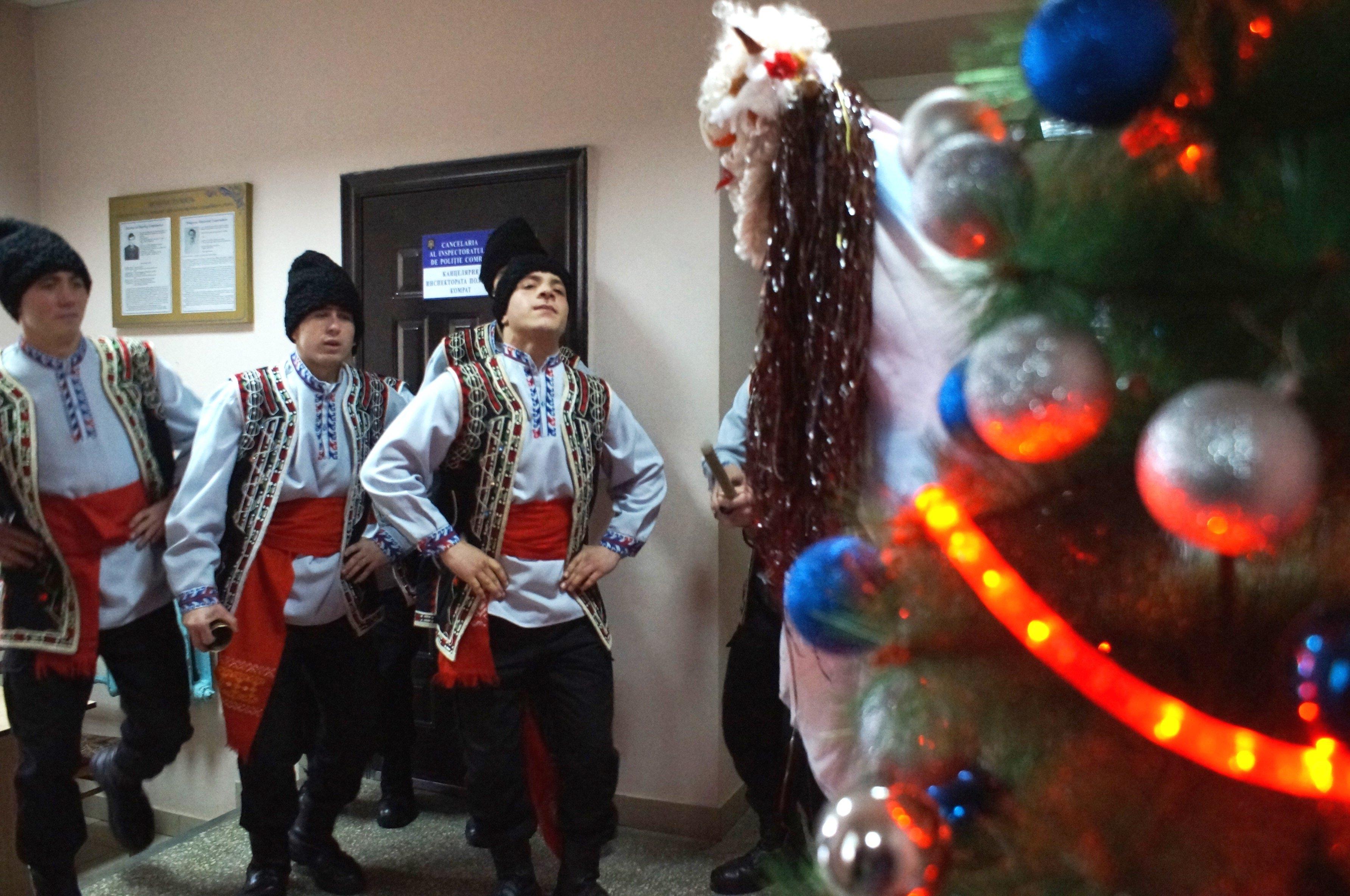 Поздравления с Новым Годом от Карабинеров (фоторепортаж)
