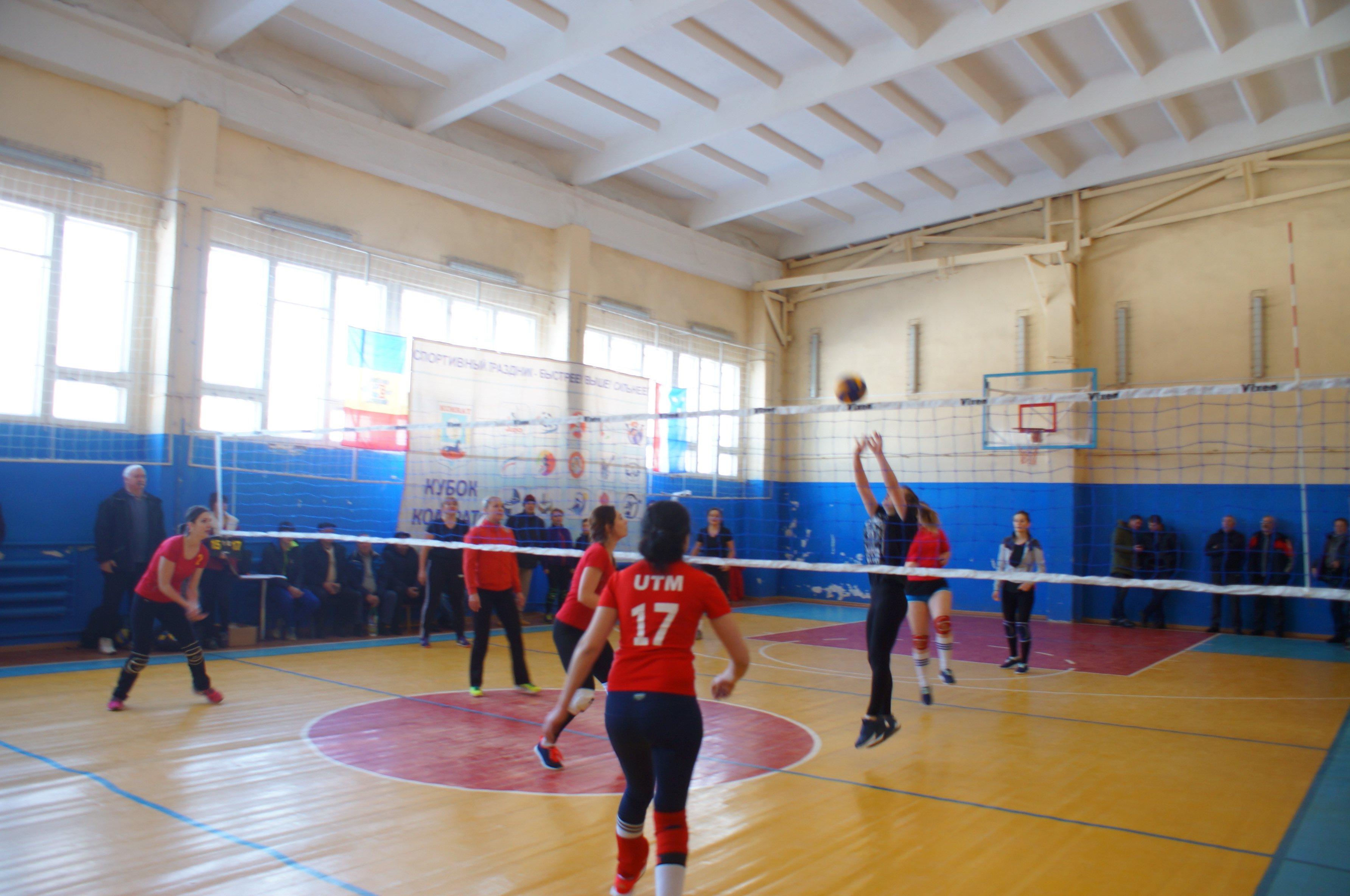 Самые яркие моменты турнира по женскому волейболу на