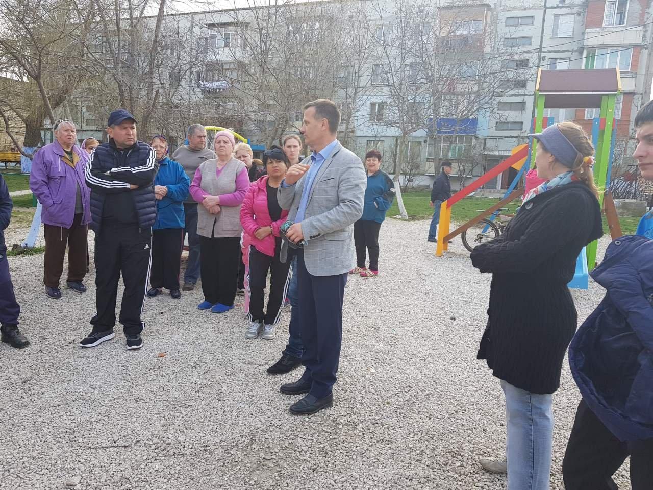 Сергей Анастасов встретился с жителями микрорайонов по ул.Гоголя и ул. Матросова