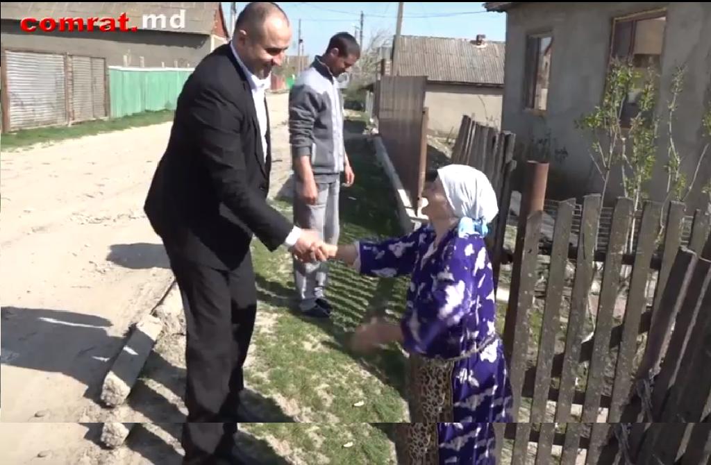 Жители Комрата, достигшие возраста 90лет и старше, получают ежегодные денежные вознаграждения от примэрии и муниципального совета