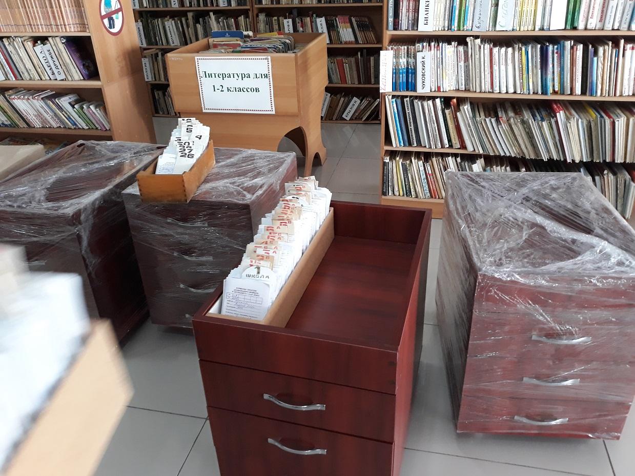 Комратская детская библиотека получила специализированную мебель