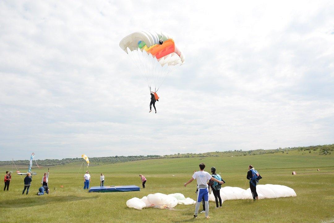 В Авдарме пройдут очередные соревнования по парашютному спорту