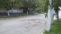 Для безопасности движения в Комрате устанавливаются искусственные  неровности на дорогах