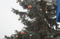 Комрат готовится к новогодним праздникам (фоторепортаж)